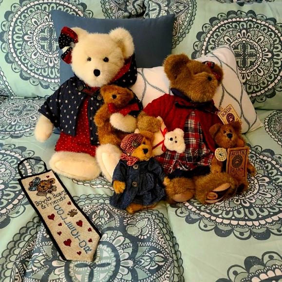 Boyd Bear Collection